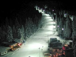 Нощно каране на ски