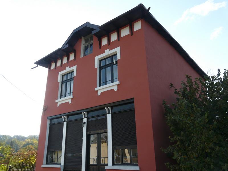 Къща в село Кметовци