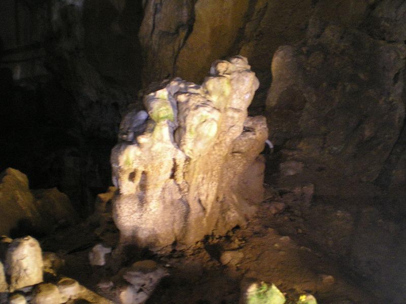 stalagmit-v-kongresnata-zala