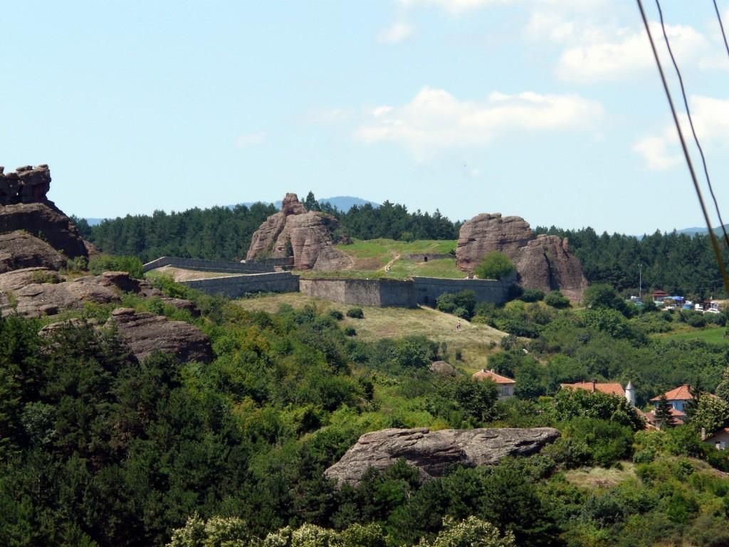 Крепостта Калето отдалече