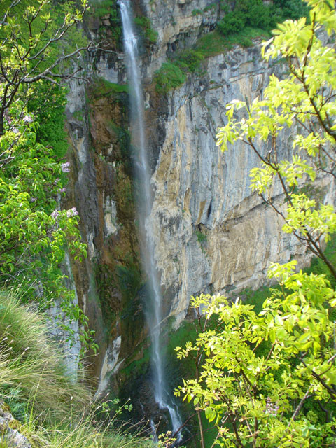Водопада Скакля край Гара Бов