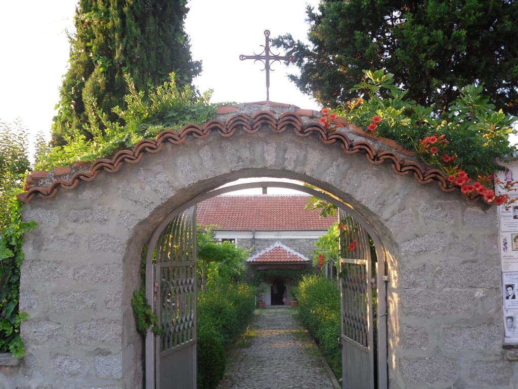Храм Св. Никола-с.Черноморец