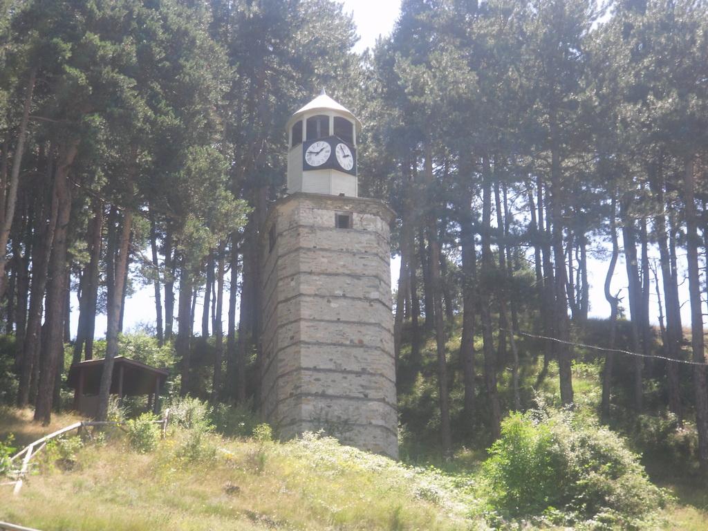 Часовниковата кула в гр. Ракитово в местността Бърдо