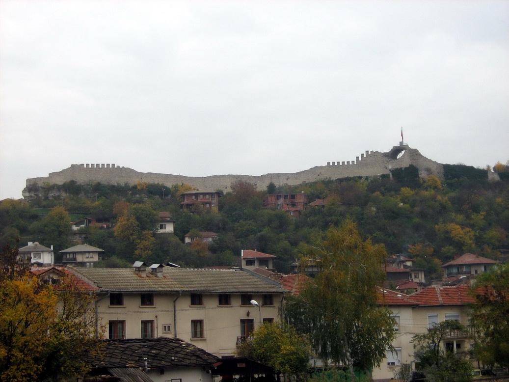 Ловеч - гледка към крепостта