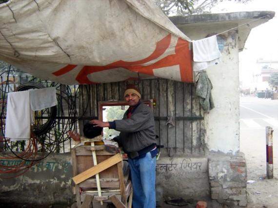 Бръснар и фризьор в Индия