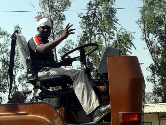 Чудесата на автомобилната техника из улиците на Делхи