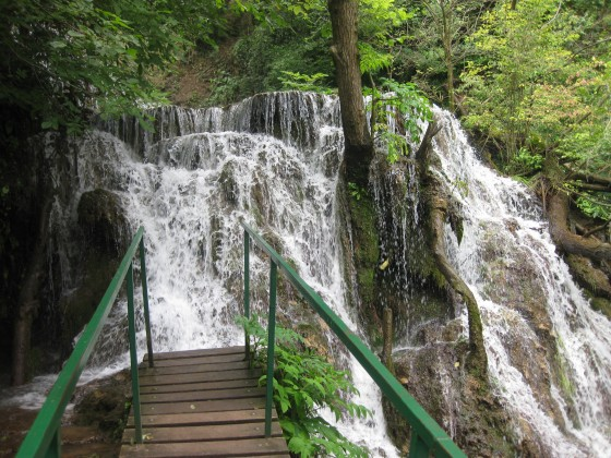 Мостче към Крушунските водопади