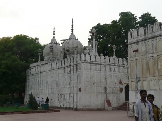Перлената джамия