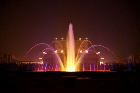 Музикалния фонтан (Акшардам)