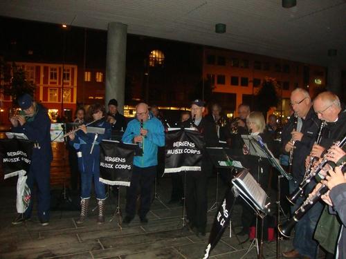 Бергенският оркестър пред зала 'Григ'