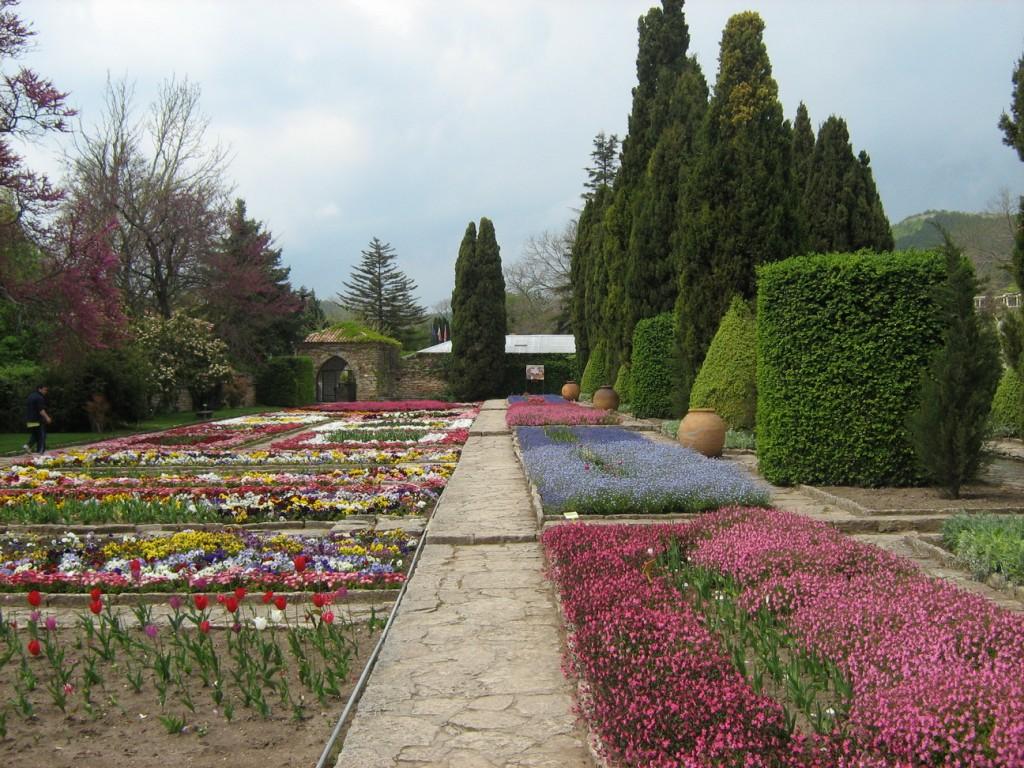 Красиви цветни градини