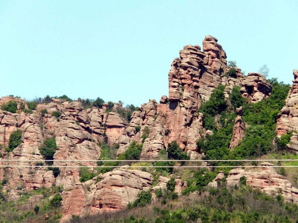 Червени скали по пътя към Белоградчик