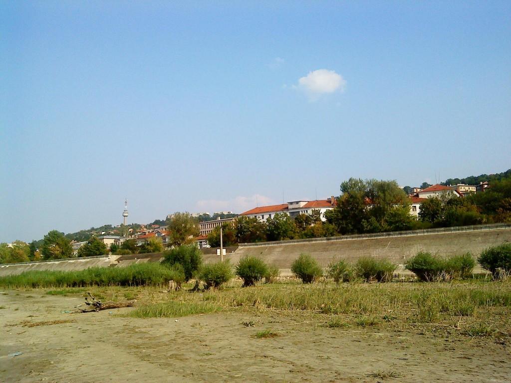 Изглед към града от р. Дунав