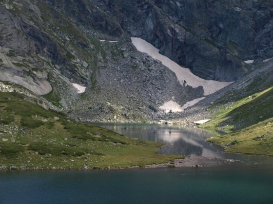 Езерото Близнака