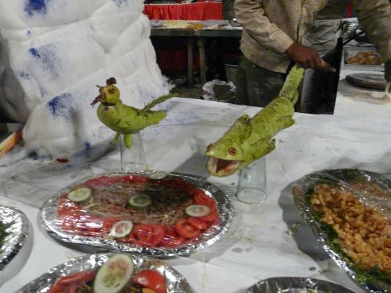 Направени от тиквичка змей и птиче - за късмет