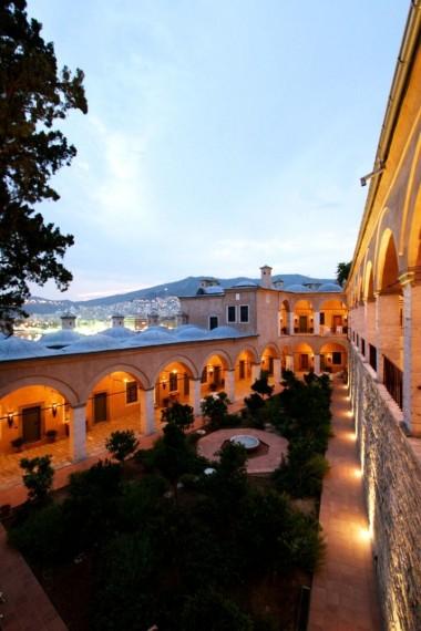 Imaret Hotel_pogled kam gradinite